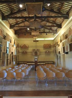 Sala De Carolis